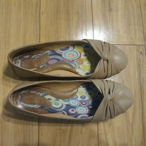 Born Ballet Flats tan leather size 8.5/40